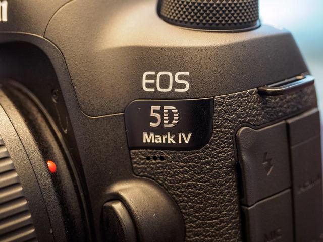 M9048009_CameraRAW_2048.jpg