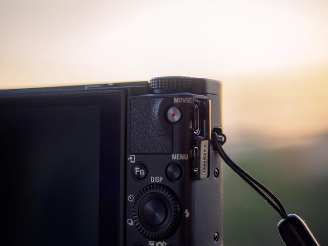 MB201832_CameraRAW_2048.jpg